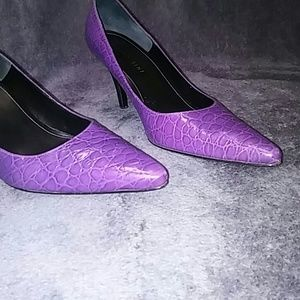 Gianni Bini Purple Croc patter Size 7.5M High Heel
